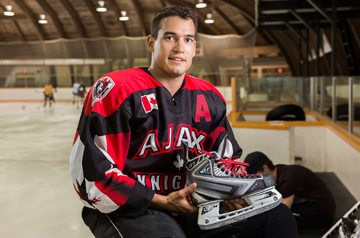 University of Waterloo Engineering graduate, Jeffrey Azzolin, who developed Bladetech hockey skates. Copyright University of Waterloo. (CNW Group/University of Waterloo)