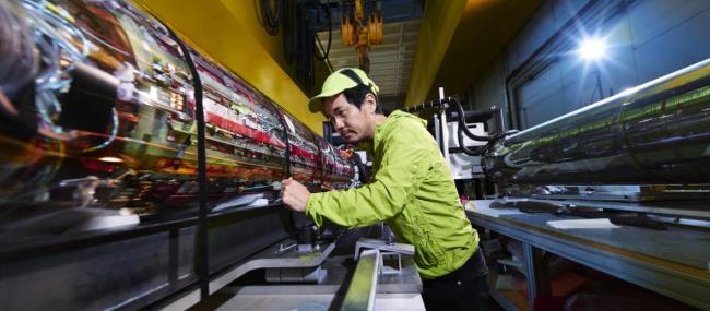 21-March-UBC-CERN-laser-650