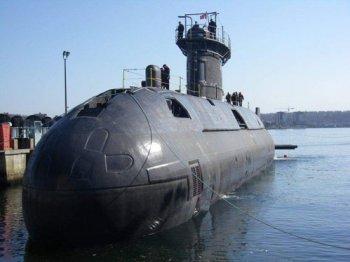 21-July-HMCS-Windsor-Victoria-class-sub-350